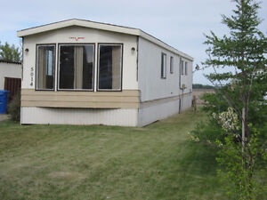 3 Bedroom Mobile Home in Grimshaw