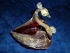 RUSSIAN GLASS AND 24 KT GOLD SWAN PIECE Kitchener / Waterloo Kitchener Area image 1
