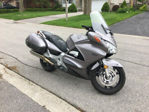 2003 Honda ST1300 Motorcycle - Loaded with Nav, bluetooth