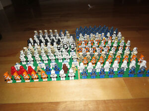 HUGE LOT OF 200 STAR WARS MINIFIGURES