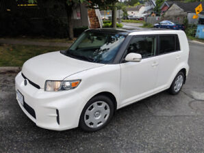 2012 Scion XB. Automatic, AC, Cruise, great commuter!