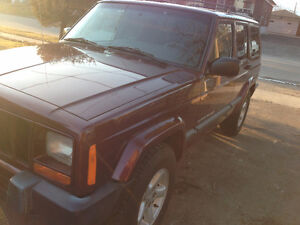 2000 Jeep Cherokee Sport SUV, w/Low kms