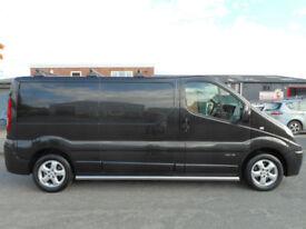 * No VAT - Finance Me * Renault Trafic Sport LWB Panel Van with - Midnight Black