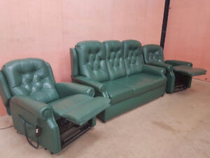 3 Sofas Verts inclinables electriques A DONNER/ SMS 438-807-6551