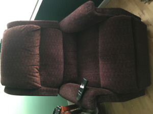 LIFT CHAIR - BRAND NEW CONDITION