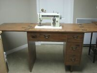 SEWING MACHINE / MACHINE A COUDRE