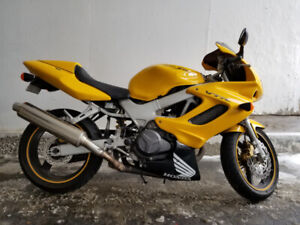 Vtr 1000 New Used Motorcycles For Sale In Canada From Dealers
