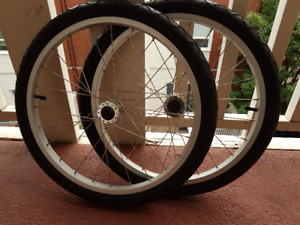 CHARIOT BIKE TRAILER WHEELS/TIRES