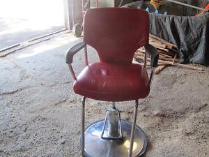 Chaise de barbier antique Québec City Québec image 2