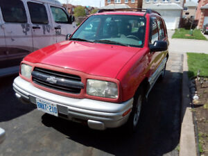 2002 Chevrolet Tracker SUV, Crossover