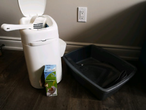 Litter locker, 2 large litter boxes and liners.