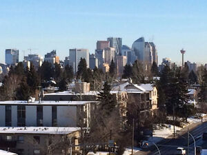 Killarney  2 Bedroom Top Floor Suite with City and Mountain View