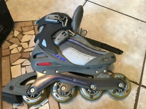 RollerBlades size 7 woman w/ ABEC 5 bearings