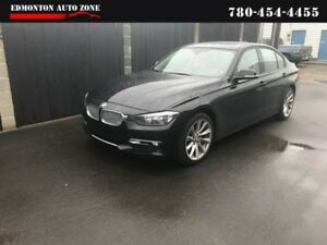 2013 BMW 3-Series 2013 BMW 320i XDrive/AWD/LEATHER/ROOF/LOW PAYM