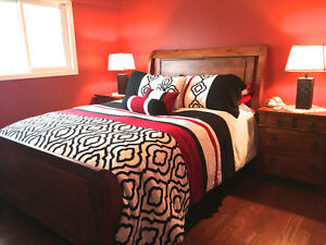 5 Piece Solid Wood Bedroom Set with Queen-sized Mattress