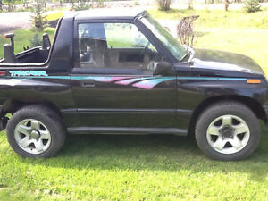 1995 Geo Tracker sidekick sunrunner suzuki SOLD