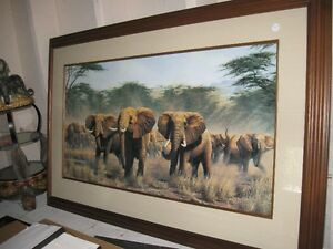 Elephant Pictures and Decor
