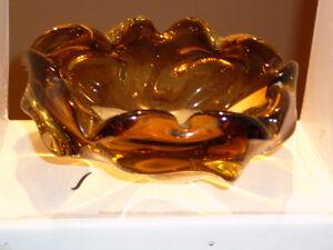"""Superbe bol 8x5"""" fait main, verre soufflé Murano ambre en 3 tons West Island Greater Montréal image 9"""
