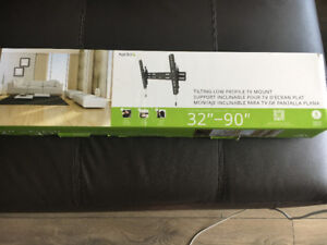 """Brand New low profile  TV wall mount 32-90"""""""