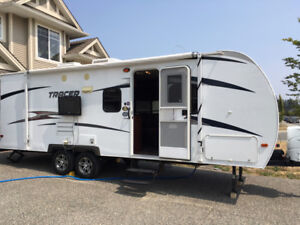 2013 Tracer Air Travel Trailer 22,000