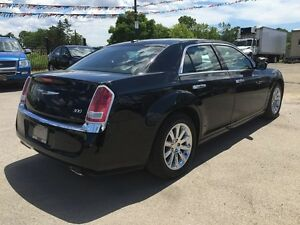 2012 CHRYSLER 300 LIMITED * LEATHER * SUNROOF * BLUETOOTH * REAR London Ontario image 6