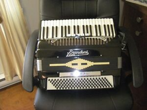 Accordéon 120 B.