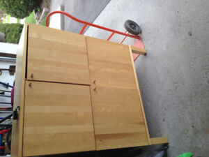 Dresser or cupbord or cabinet for sell $ 40