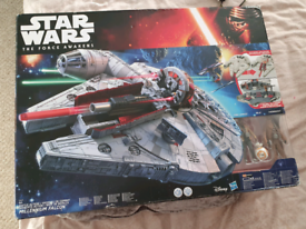 Star Wars Battle Action Millennium Falcon