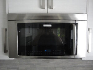 """Electrolux Above the Range 30"""" Stainless Steel Microwave NEW 500"""
