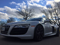2010 Audi R8 Premium Coupe (2 door)