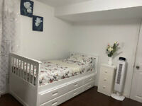 Rent a room dercel and Dellaport need 2 girls 800 and a girl 700