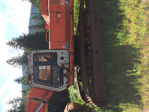 Hitatchi 400 with minimal hours for immediate sale