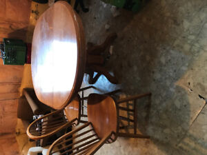 Dining or Kitchen table set. Solid oak table with 4 chairs.