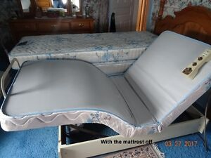 Adjustable Single Bed  (Reduced Price) Cornwall Ontario image 3