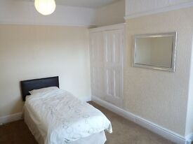 Nice furnished bedroom to rent