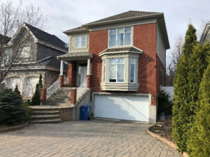 House for rent in 'O' sector of Brossard Dix-30 w/ double garage