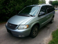 2004 Chrysler Town & Country Limitée Fourgonnette, fourgon