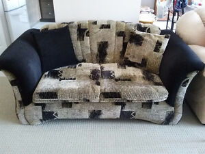 Couch and loveseat set with matching pillows black/brown fabric London Ontario image 3