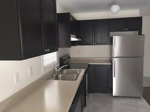 2 Years Old End Unit 3 Br Townhouse for Lease in South Barrie