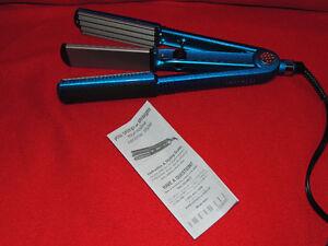 Conair Styling Iron Multi Styler (2 in 1 Straighten/Crimp)
