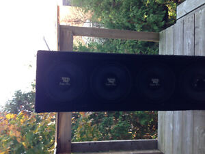 Subwoofer box with 4 speakers and Amps