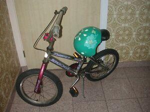 VELO BMX   SUPERCYCLE 16 PO avec CASQUE PROTECTEUR