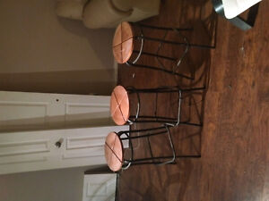 Coffee table. And stools for sale must sell because of moving Kitchener / Waterloo Kitchener Area image 1