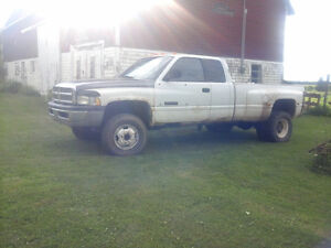 NO EMAILS  1999 Dodge Power Ram 3500 Laramie Pickup Truck