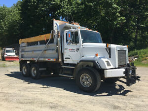 1992 Freightliner 112 Dump/Plow Low Kms