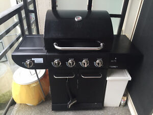 Master Chef® E480 Natural Gas BBQ