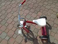 Red Tricycle age 2 -4 years 20$