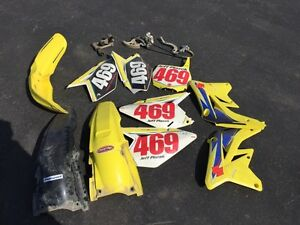 PARTS!! 2009 Suzuki RM-Z 250 PARTS!! PARTING OUT THIS BIKE!!
