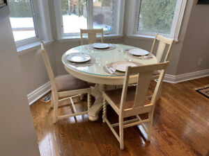 Dining or Kitchen Table w/ 5 inserts & 6 chairs