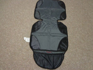 BABY CAR SEAT/BOOSTER MAT/PROTECTOR